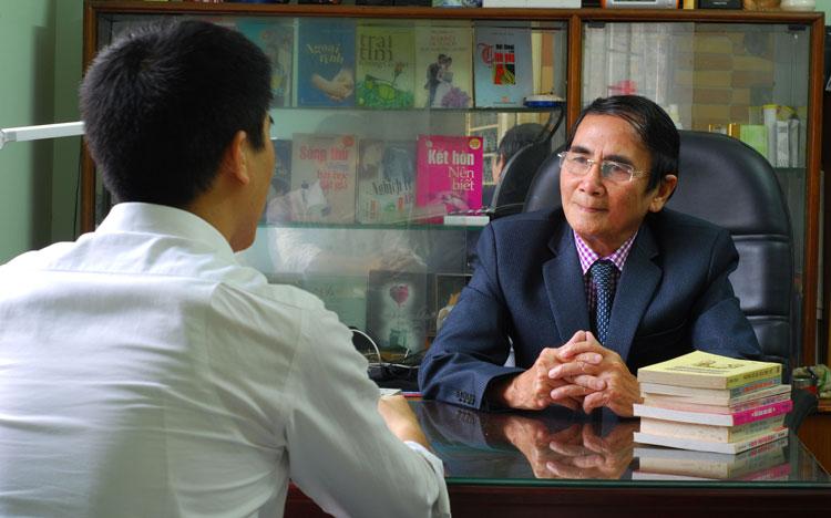 Chuyên gia trịnh trung hòa tư vấn trực tiếp cho khách hàng