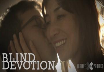 Câu chuyện cảm động về tình yêu của người chồng với người vợ mù